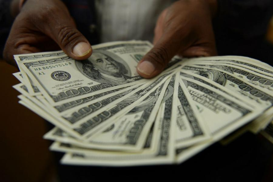 dolari-ruke-afpgetty-main_0_1
