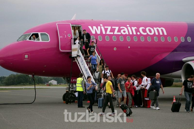 wizz-air-baza-tuzla093-20150626