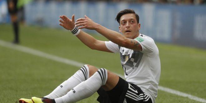 """Özil se povukao iz njemačke reprezentacije zbog rasizma: """"Kad se gubi, onda sam Turčin"""""""
