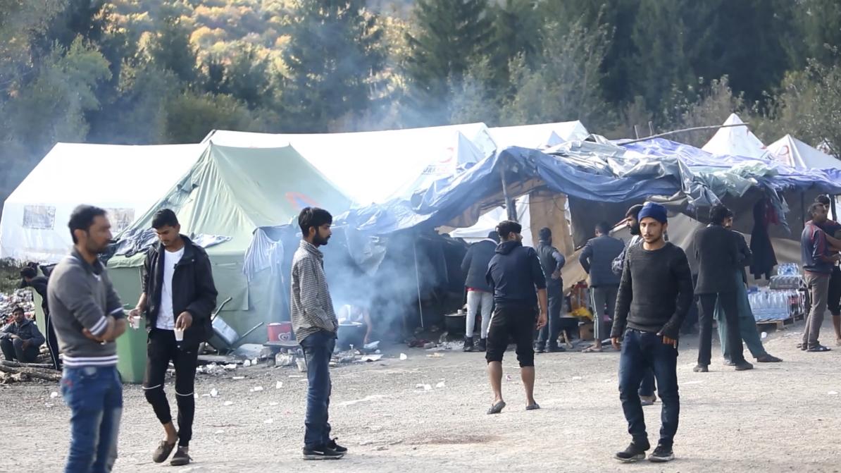 Migranti u kampu Vučijak nadomak Bihaća započeli napad na policiju