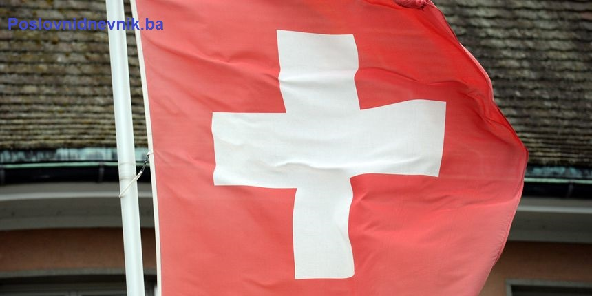 Švajcarci na referendumu prihvatili novi zakon o oru*ju