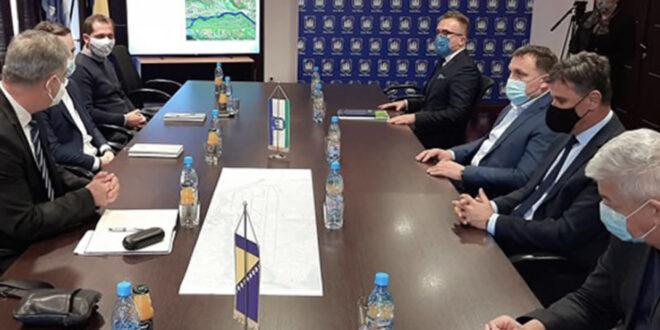 Novalić i Dedić u Bihaću: 25 miliona maraka za bihaćki aerodrom
